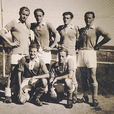 """""""Die 6 Wiggenhauser"""" / Sechs Brüder in einem Team - v.v.l. Bruno Wiggenhauser, Hugo Wiggenhauser, h.v.l. Franz Wiggenhauser, Eugen Wiggenhauser, Hubert Wiggenhauser, Josef Wiggenhauser"""