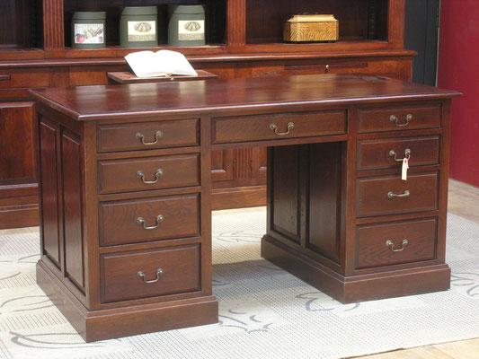 5. klassiek bureau, kleur naar keuze, kan ook naar kleur van uw bestaande kasten