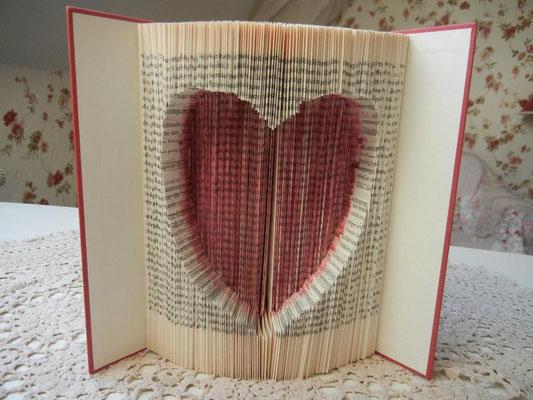 Bücher falten Herz