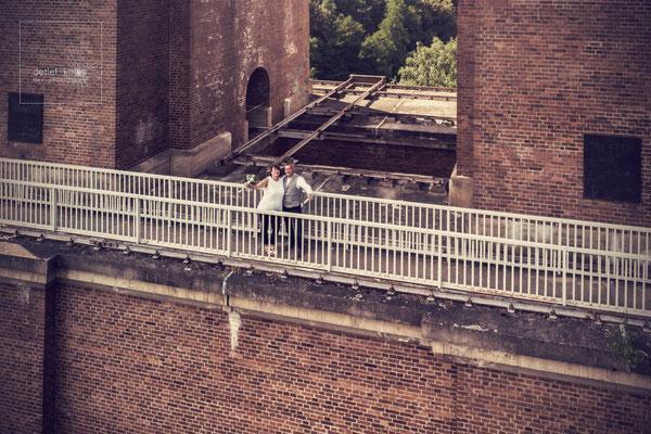 das Brautpaar auf der Elstertalbrücke