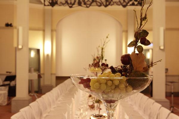 Tischdekoration im Fürstensaal des oberen Schlosses in Greiz    by www.ihr-besonderer-tag.de