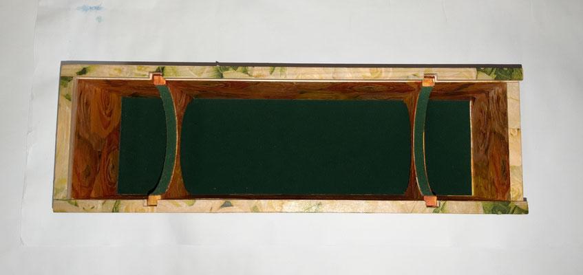 Schmuckkasten Mövenpick weisse und gelben (drin) Rosen - 38 x 12 x 12  CHF 40.00
