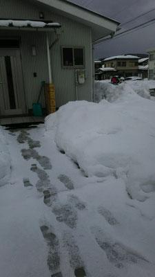 毎日ヘルパーさんや地域の人達が雪かきをしてくれます
