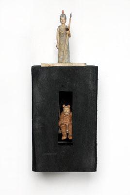 Kiste 14 - Athene und Bärenmann, Pappelholz bemalt, 2013