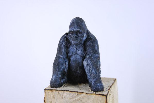 Gorillapyramide, Pappelholz bemalt, 2013 Privatbesitz