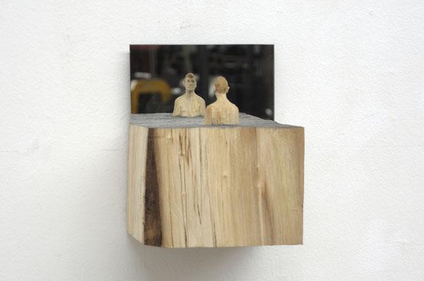 Mann im Meer - Spiegelobjekt  I  Pappelholz, bemalt, Spiegel