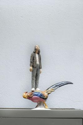 Du Vogel  I  Lindenholz, bemalt, Porzellanvogel