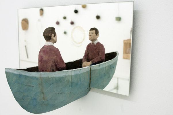 Spiegelobjekt, Mann im Boot  I  Lindenholz, bemalt  I  Privatbesitz