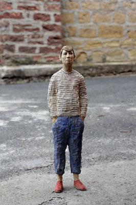 junger Mann im Ringelshirt, Pappelholz bemalt, 2015 Privatbesitz