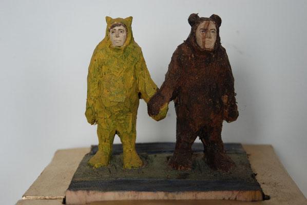 Kiste - Bären und Leopardenmann, Pappelholz bemalt 2013 Privatbesitz
