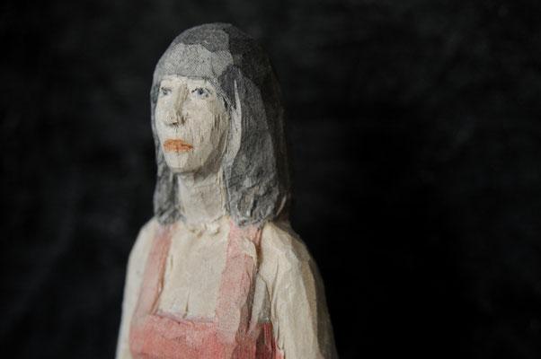 rundes Wandobjekt - Frau, Pappelholz bemalt, 2015 Privatbesitz