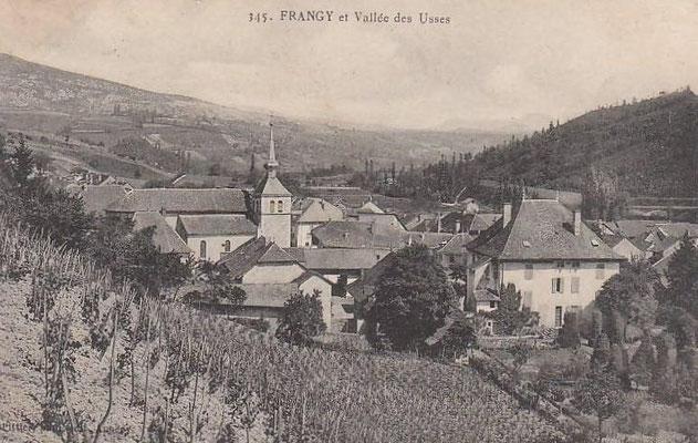 Frangy, à droite le château Bastian.