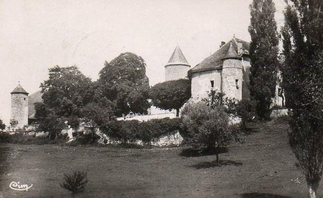 Le château de Pelly à Desingy dont héritera le colonel.