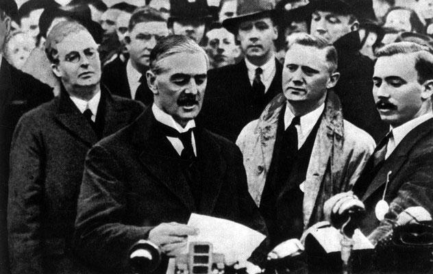 Чемберлен вернувшись из Мюнхена заявил Я привез мир нашему поколению 1938 г.