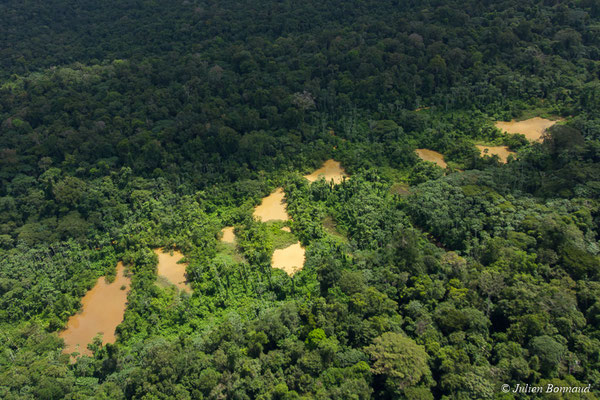 Barranques issues de l'opaillage clandestin, le 12/04/2017 (prise de vue depuis un hélicoptère)