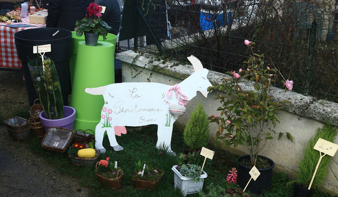 Accueil à La ferme de La Pérotonnerie - marché du 17 décembre