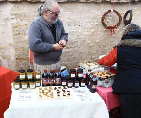 Des produits artisanaux anglais, chutney, confitures à La Ferme de La Pérotonnerie de Rom