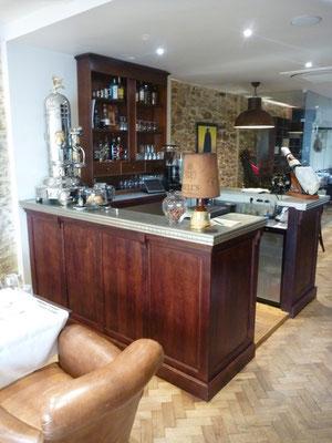 Bar style bistrot parisien