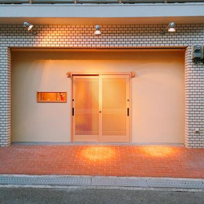 正面玄関(オープン前)施工後