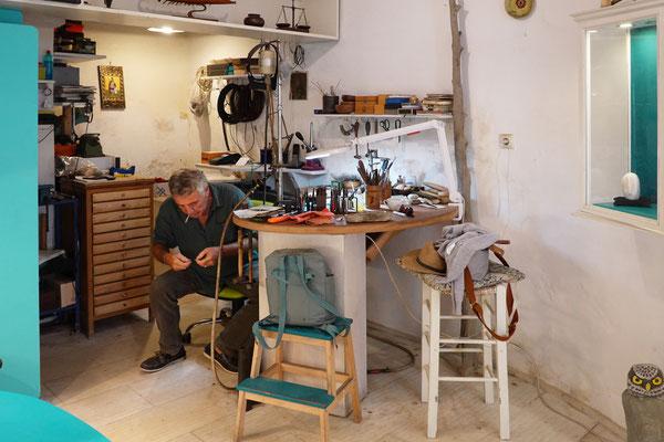 Nassos in seinem Atelier
