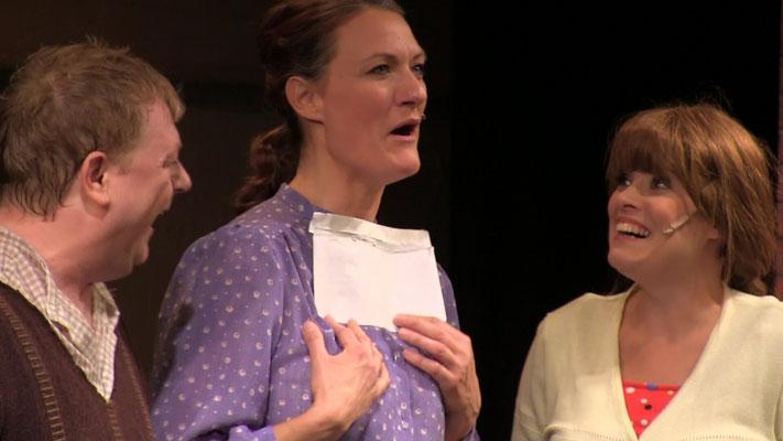Bernd J. Arends als Mickey und Christine Schürmann als Donna Marie