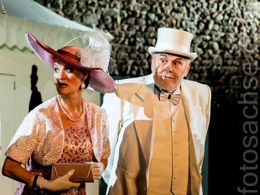 Jessica fendler als Mrs Eynsford-Hill, Gunther Emmerlich als Oberst Pickering