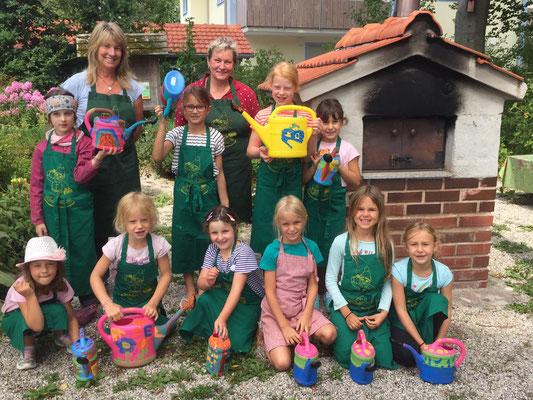 Kinderferienprogramm: Gießkannen bemalen (2019)