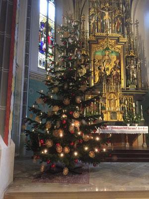 Schmuck der Kirche zu Weihnachten