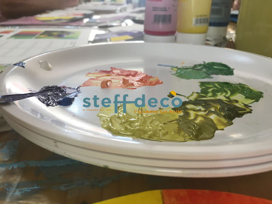 Gradazione di verdi ottenuta durante il corso sulla composizione del colore di Stefania Dal Mas-Steff Decò