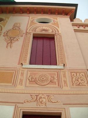 Decorazione fatta con pittura ai silicati, esterno