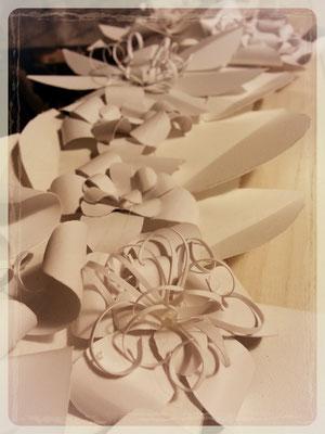 fiori realizzati a mano, con carta