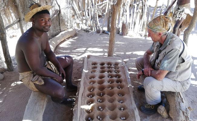 Strategiespiel bei den Damara, Namibia