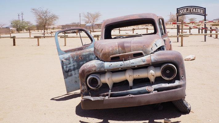 uralte Autos, ein Markenzeichen von Solitaire