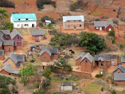 Madagaskar, Dorf im Hochland