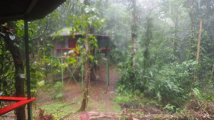 Tropenregen auf der Finca Valeria, Costa Rica