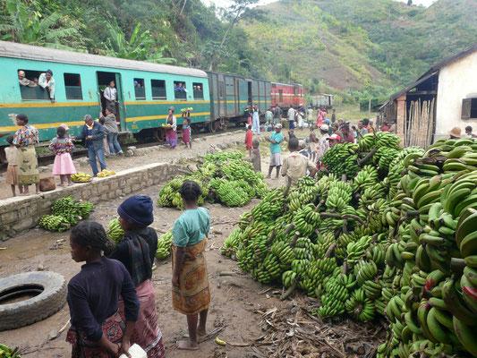 Bahnfahrt von Manakara nach Fianarantsoa, Madagaskar