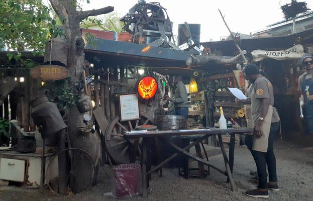 fast ein muss und legendär, uns hat es gefallen - Joe´s Beerhouse in Windhoek