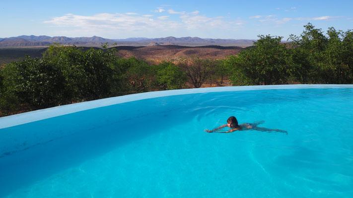 Schwimmen mit Panoramablick