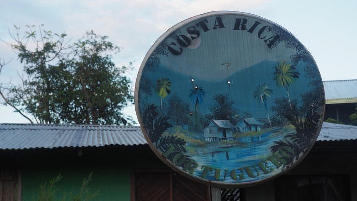 Weiterverwendung von SAT-Schüsseln in Tortuguero, Costa Rica