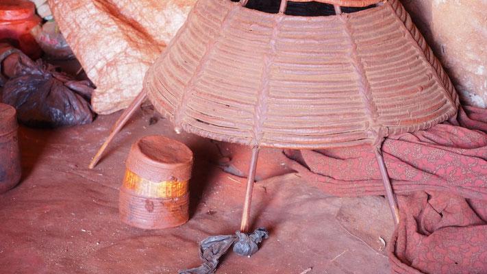 Namibia, Himba, Utensilien für Körperpflege