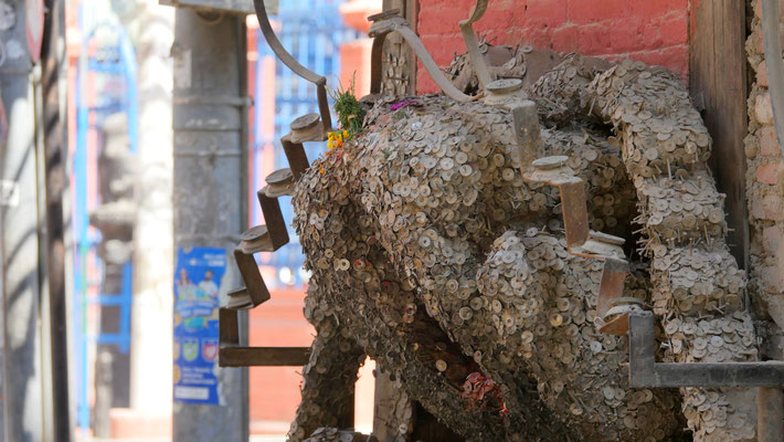 der Zahnschmerz-Schrein in Kathmandu, Nepal