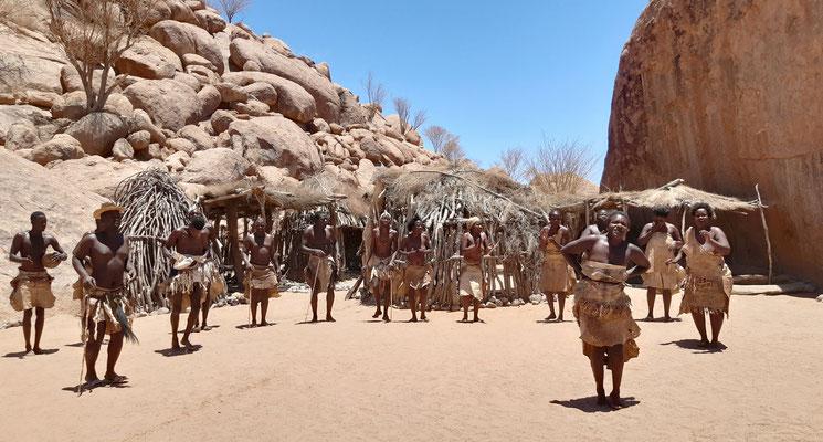 traditionelle Tänze der Damara