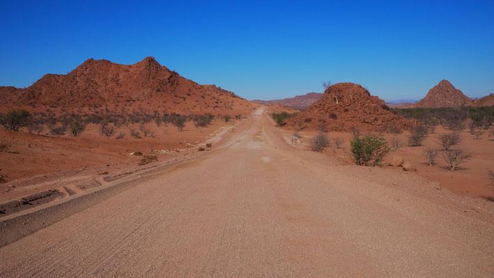am Weg nach Twyfelfontein