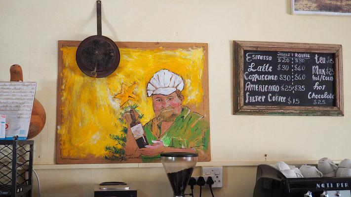 Solitaire, der Apfelkuchen schmeckt wirklich ausgezeichnet, auch der Kaffee.
