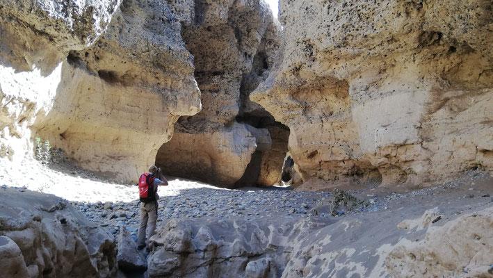 wenn man dem Canyon in nördliche Richtung folgt wird es immer enger, aber auch spannender