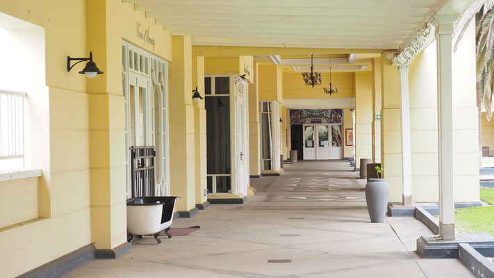 der alte Bahnhof, umgebaut zu einem Hotel