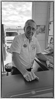 joe, friendly gas station owner, kingman, arizona