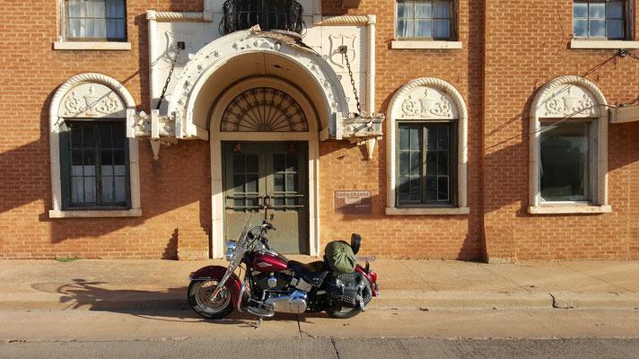 abandoned hotel, route 66, elk city, oklahoma