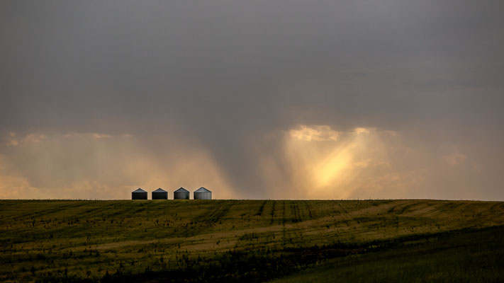 thunderstorm on the way to geat falls, montana