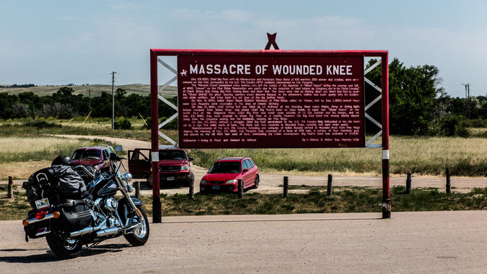 monument of grief and mourn, wounded knee, south dakota